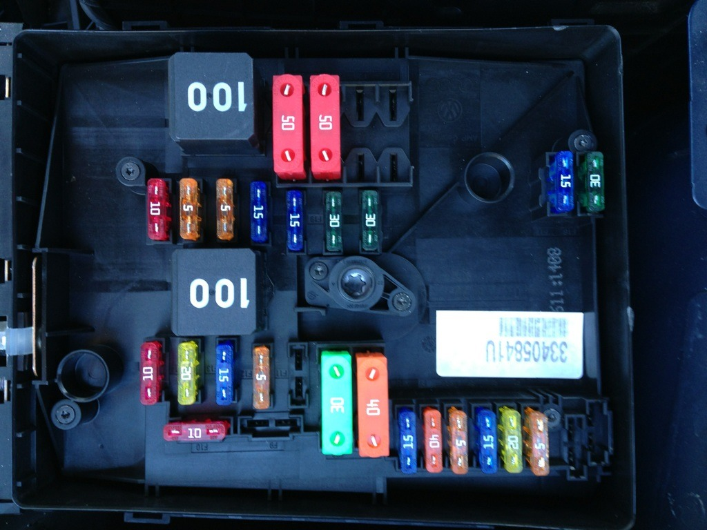 volkswagen gti 2013 fuse box diagram